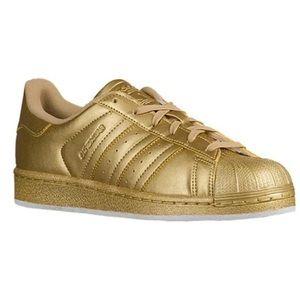 Gold metallic superstar adidas